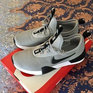 Nike Sneakers/running/walking